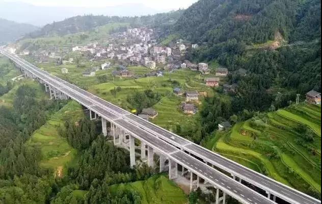 柳州又一条绝美高速10月26日通车 沿途风景美到爆!