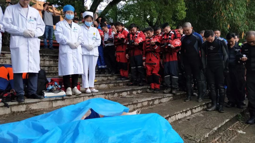 最新!视频还原桂林龙舟翻船经过,事故已致11人死亡6人失联