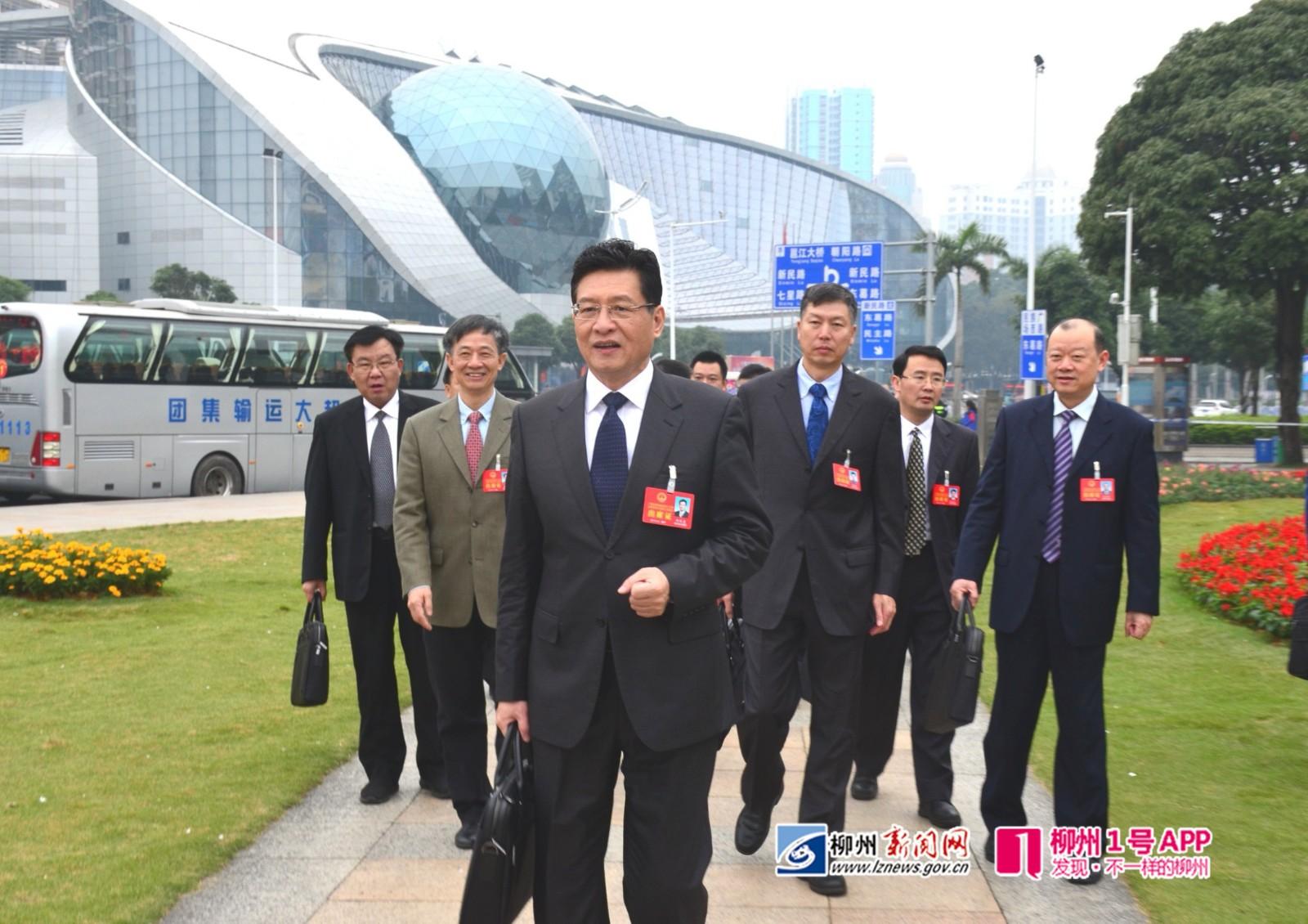 """聚焦自治区""""两会"""" 自治区人大会即将开会,柳州代表团抵达会场"""
